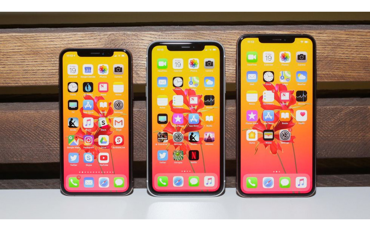 iPhone X Specs compared to iPhone XS, XS MAX AND XR
